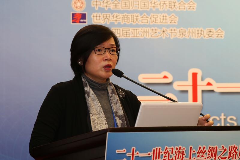 香港特區政府民政事務局副局長許曉暉,演講題目:《香港的非遺保護傳承經驗》。